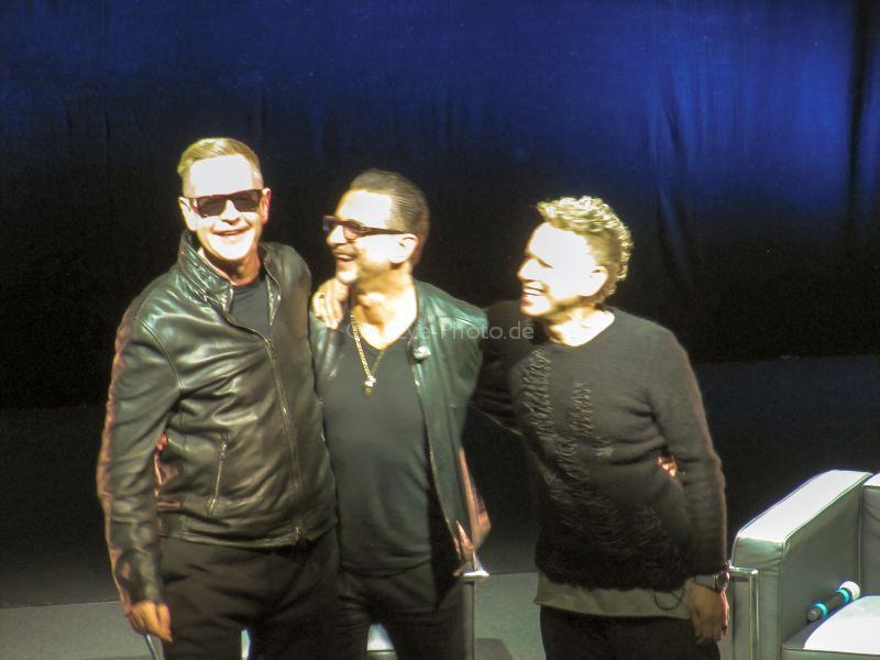 Sie können wieder zusammen lachen: Andy Fletcher, Dave Gahan und Martin Gore Photo: OneEye-Photo.de